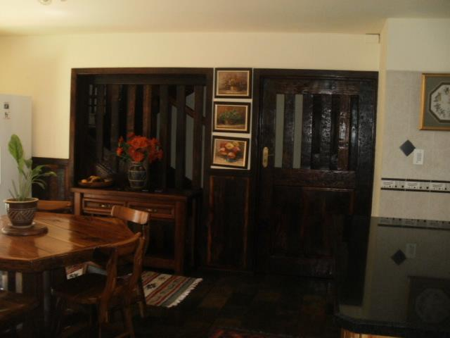 House in Melodie - Dining Room