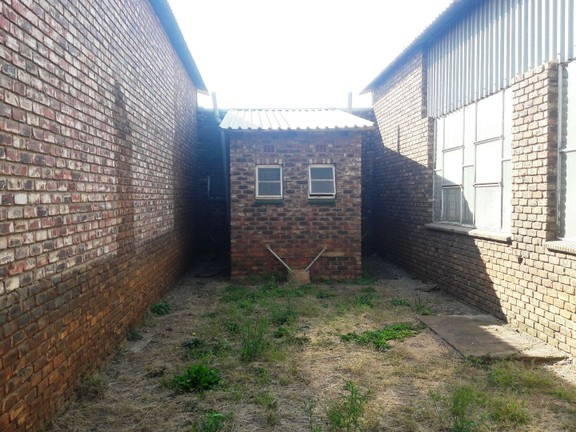 Investment / Residential investment in Potch Industria - 20190619_140723.jpg