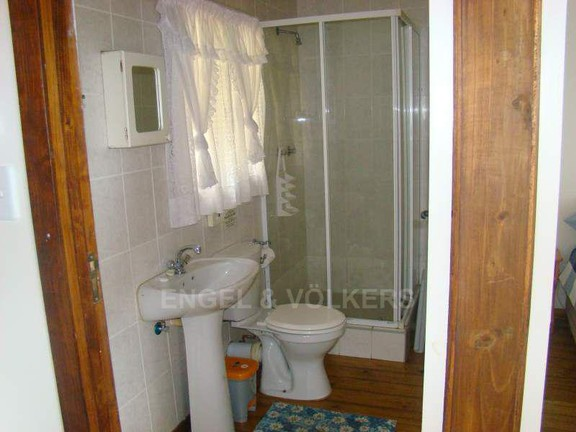 House in Anerley - 018 Bathroom Cottage Two.jpg