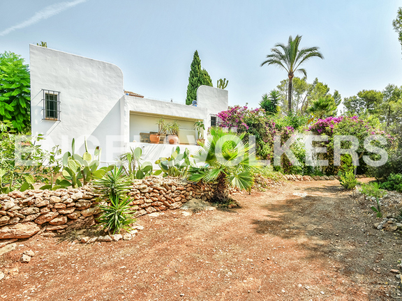 House in Calpe - Sideview from garden