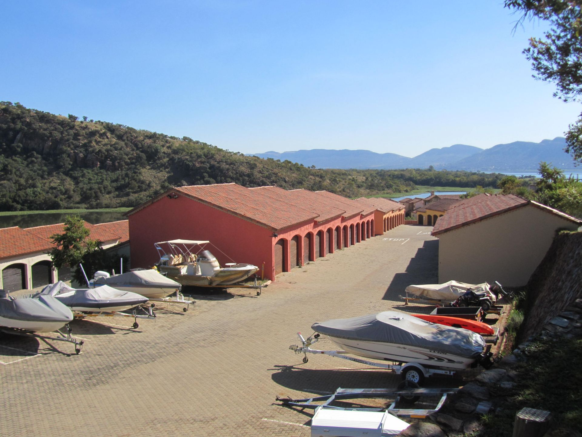 Land in Port Provance - Boathouses
