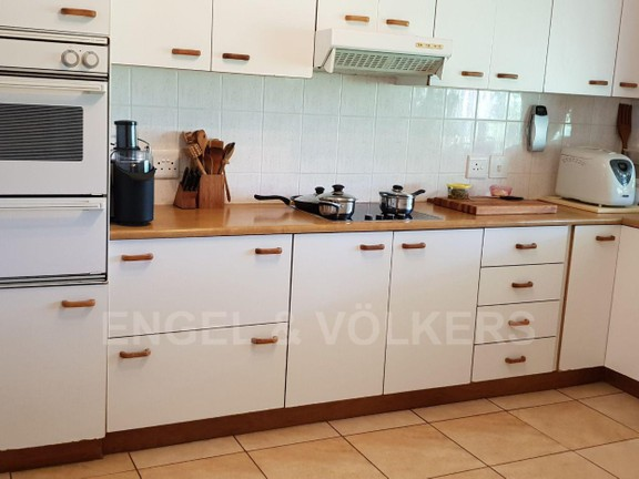 House in Southbroom - 006 - Kitchen.jpg
