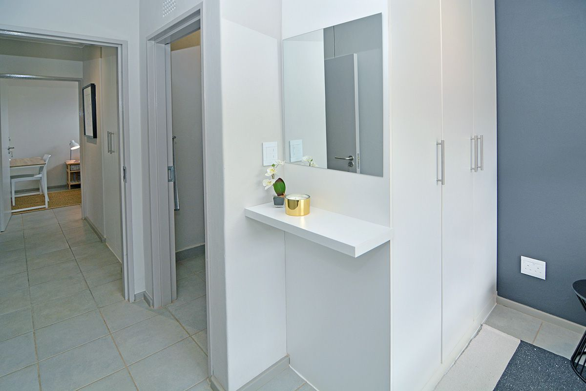 Apartment in Clubview - oaktree village esate-10.jpg