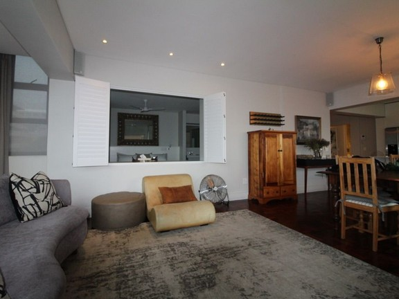 Condominium in Sea Point - Lounge