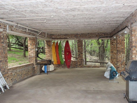 Land in Parys - ENTERTAINMENT_AREA_UNDER_THE_HOUSE.jpg