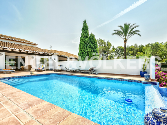 House in Calpe - Pool with view to the terrace