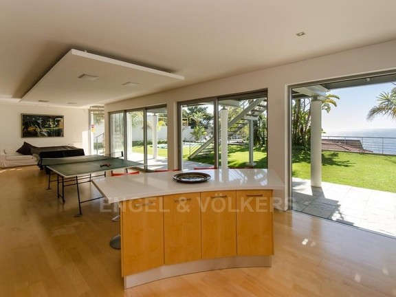 House in Bantry Bay - Entertainment Area