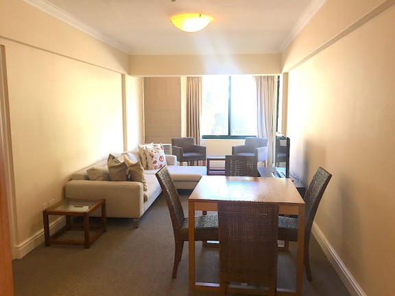 Apartment in Sea Point - Open plan lounge