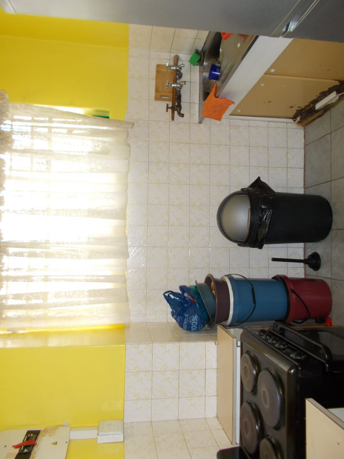 Apartment in Hillbrow - WhatsApp Image 2021-01-12 at 13.03.59.jpeg