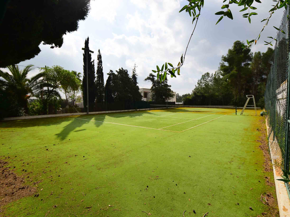 House in Sta. Eulalia - Private tennis court