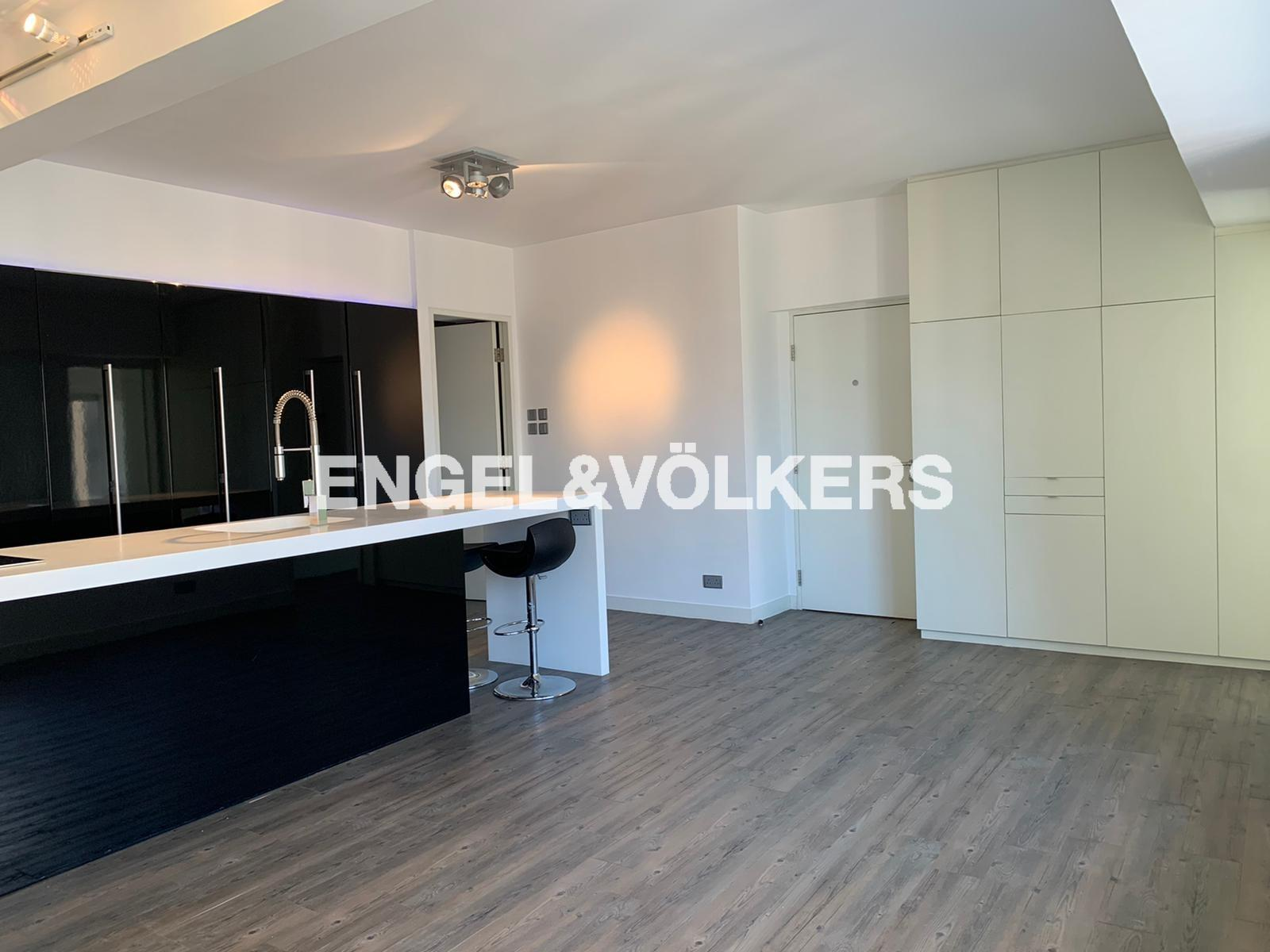 Apartment in Mid Level West - Woodlands Terrace 嘉倫軒