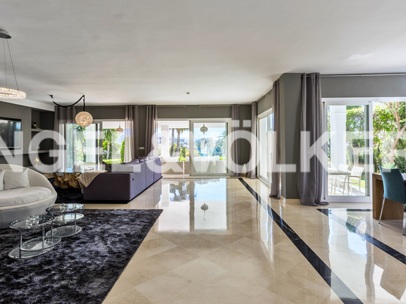 House in Marbella-Nueva Andalucía - Open and spacious livingroom
