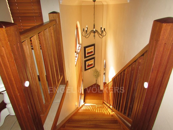 House in Uvongo - 010 Staircase to main bedrooms.JPG