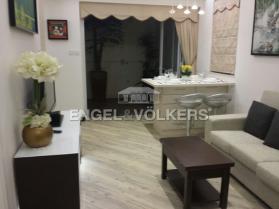 Apartment in Mid Level West - 33-35 Robinson Road 羅便臣道33-35號