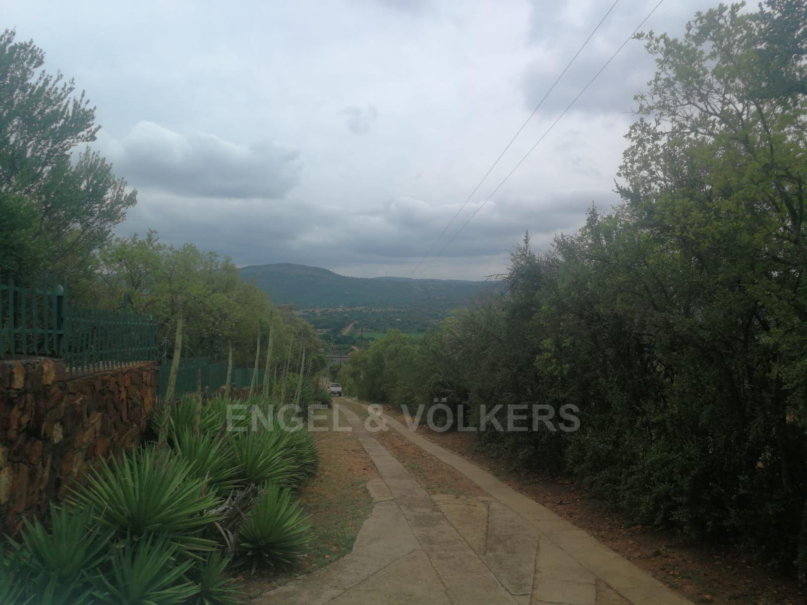 Land in Hartbeespoort Dam Area - Secure estate near main artery roads