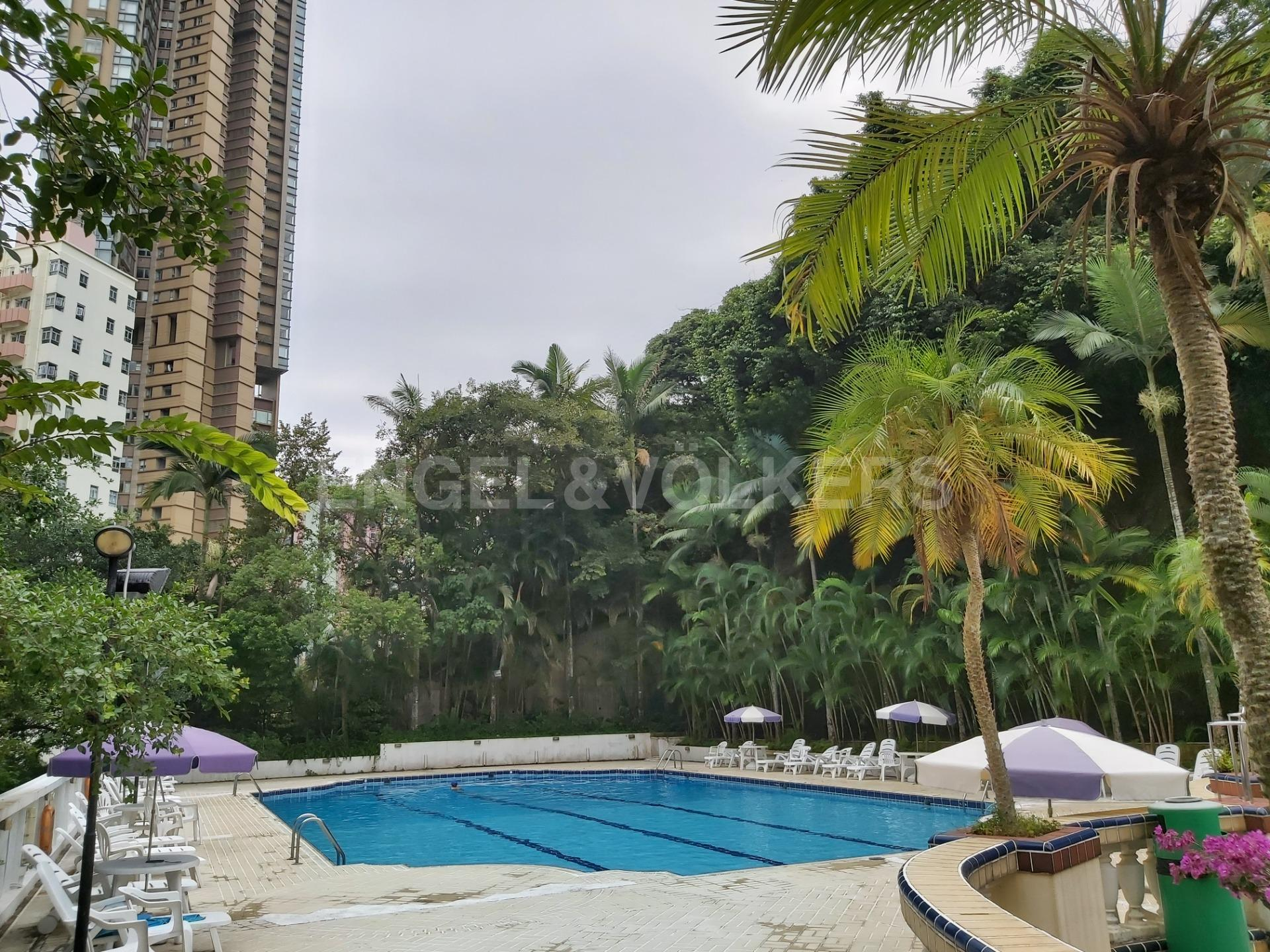 Apartment in Mid Level West / Pok Fu Lam - REALTY GARDENS 聯邦花園
