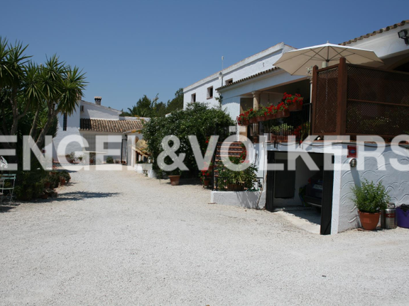 House in Jávea Golf - Rustic Property next to the Javea Golf Course. Entry and garage.