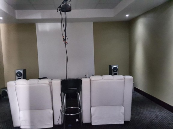 House in Silver Lakes Golf Estate - Cinema Room