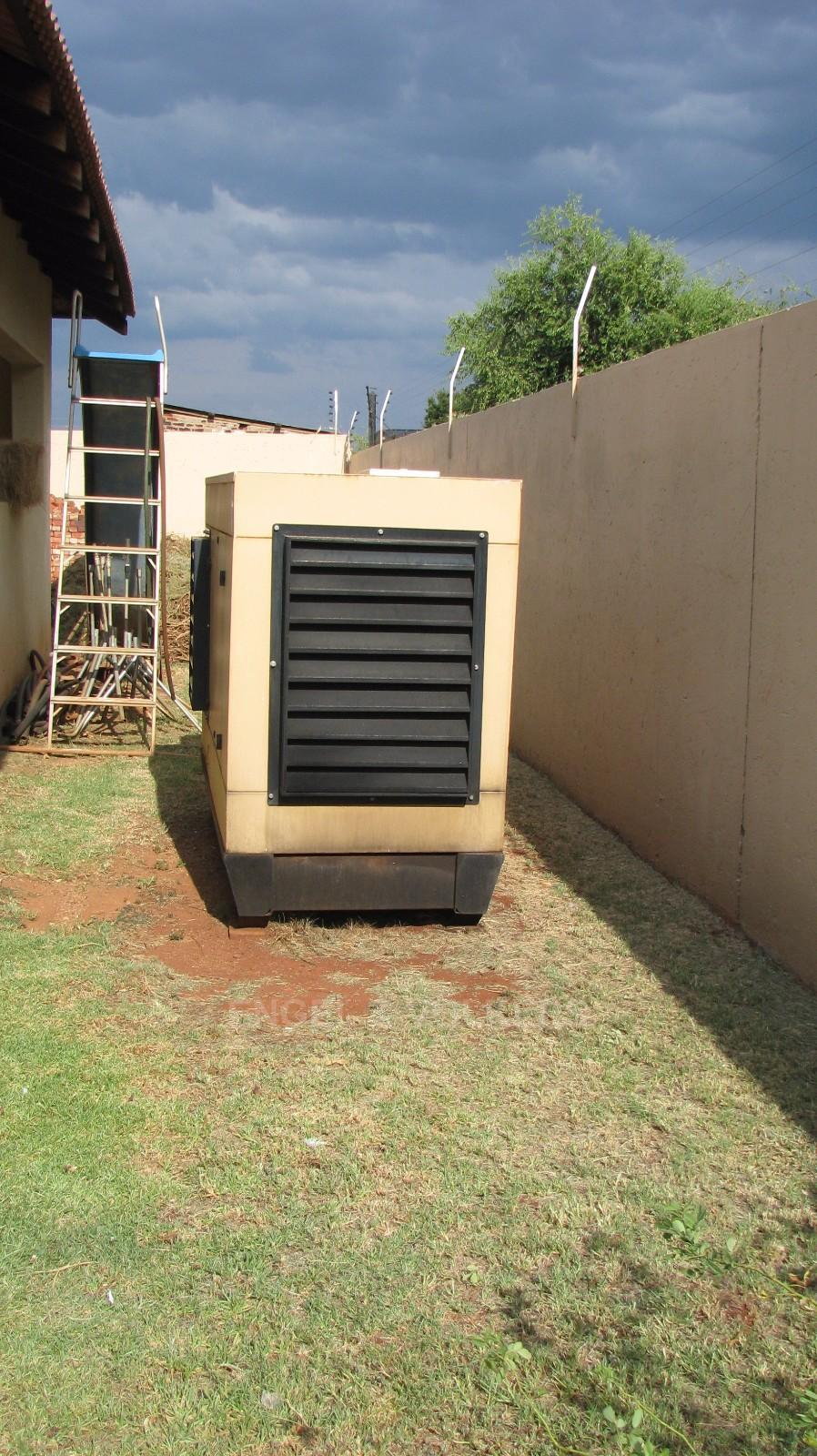 House in Melodie A/h - 50 KWA diesel generator