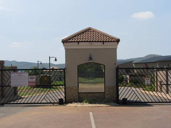 Apartment in Melodie - Security gate