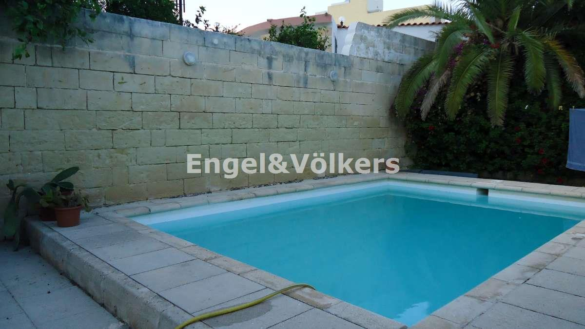 House in Madliena - Bungalow, Madliena, Swimming pool