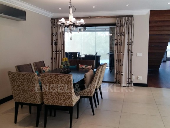 House in Birdwood Estate - 2nd_floor_dining.jpg