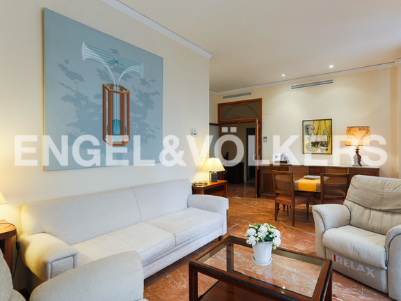 Condominium in La Seu - Living room