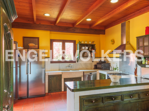 House in Montesol - kitchen