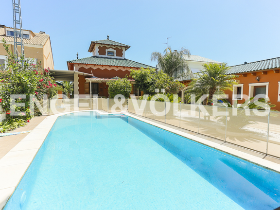House in Malvarrosa - Swimming pool and garden