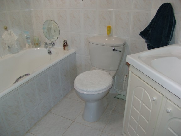 Condominium in Uvongo - 009 En Suite Bathroom