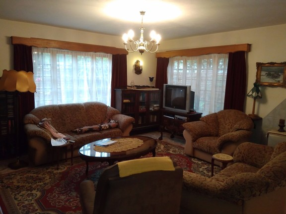 House in Schoemansville - downstairs lounge