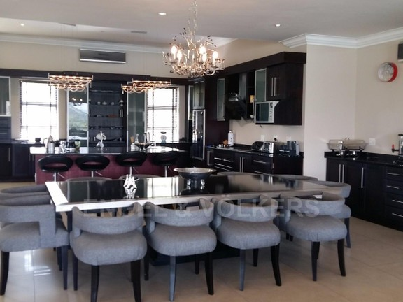 House in Birdwood Estate - 3rd_floor_dining.jpg
