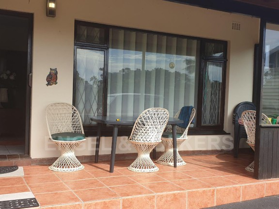 House in Uvongo - 002 - Undercover patio.jpg