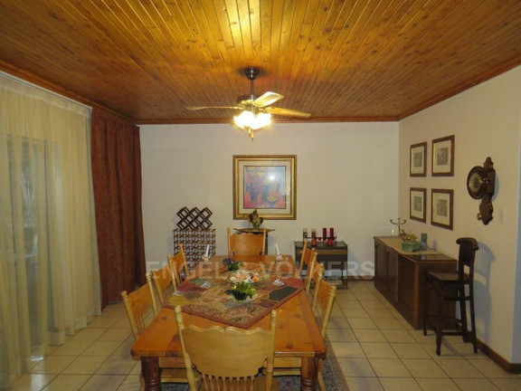 House in Schoemansville - Formal dining area