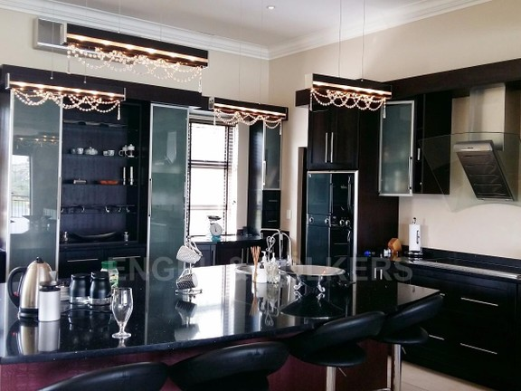 House in Birdwood Estate - 3rd_floor_kitchen_.jpg