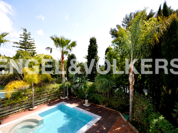 House in Beach Side Golden Mile - Swimming Pool & Garden