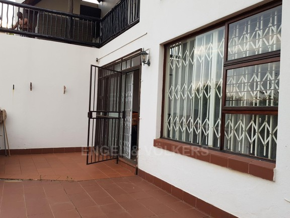 House in Mount Kos - Patio in front of unit with braai area