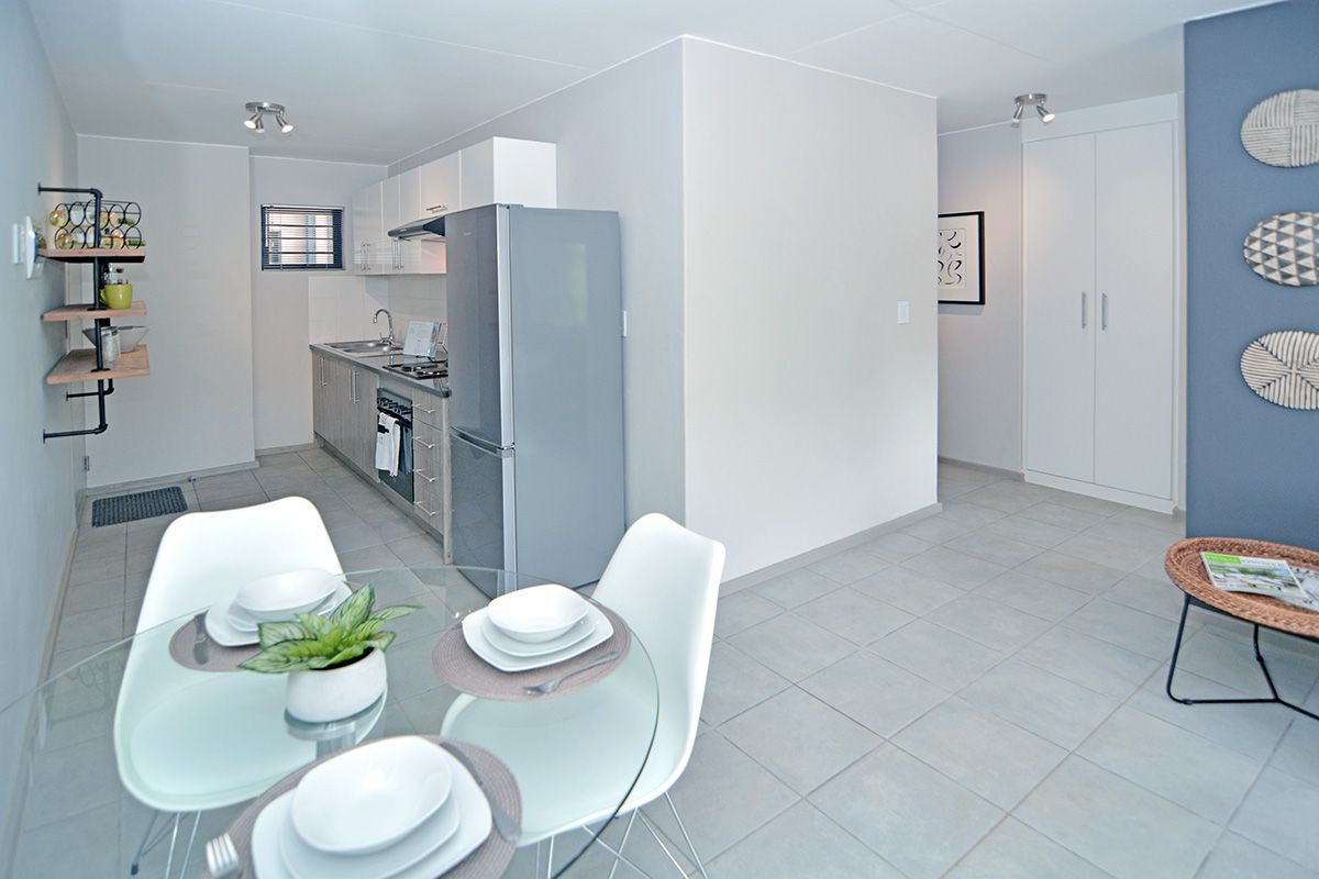 Apartment in Clubview - oaktree village esate-14.jpg
