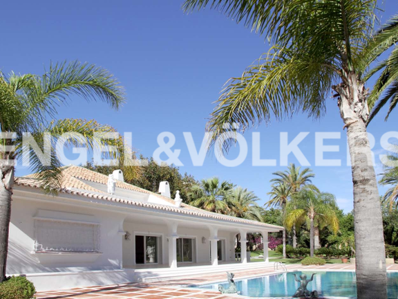 Villa For Sale -Front line Las Brisas Golf
