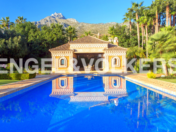 House in Sierra Blanca - Swimming Pool