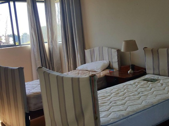 House in Silver Lakes Golf Estate - Bedroom with en suite