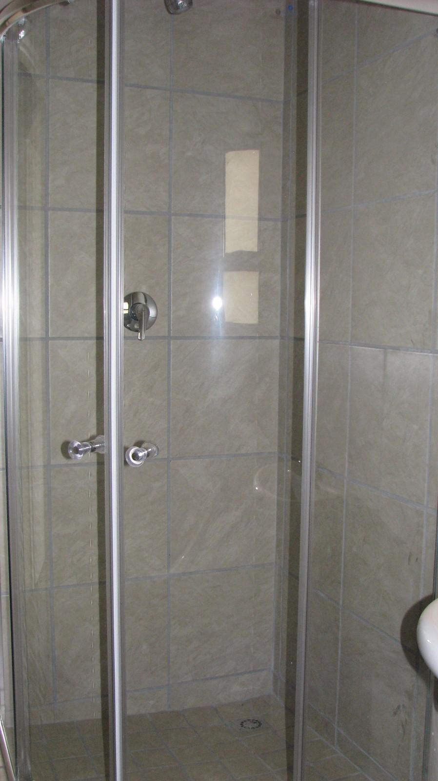 Apartment in Melodie - Shower unit
