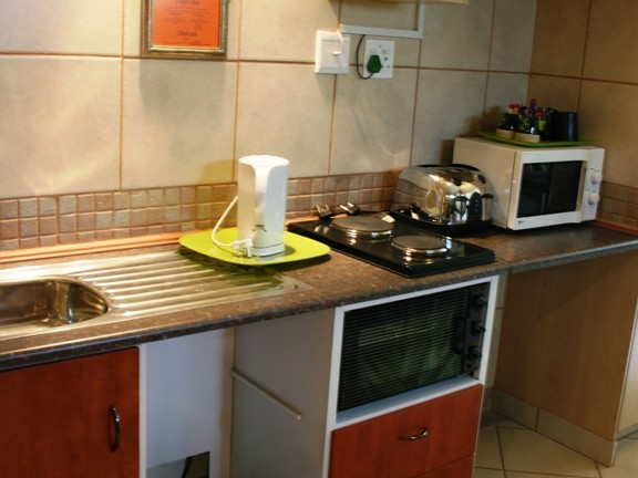 House in Phalaborwa & surrounds - Self Catering Kitchenette