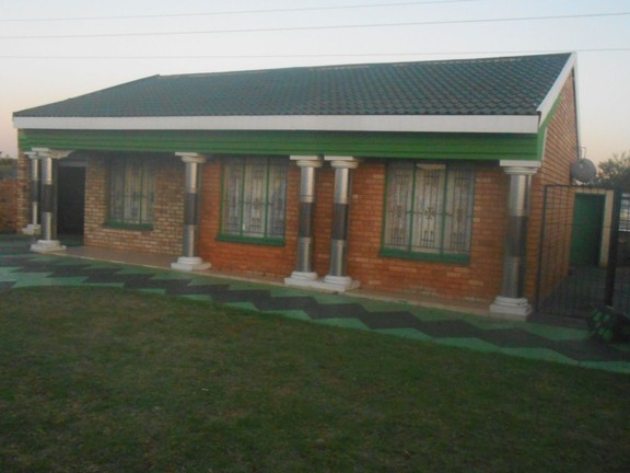 House in Ikageng - DSCN3228.jpg