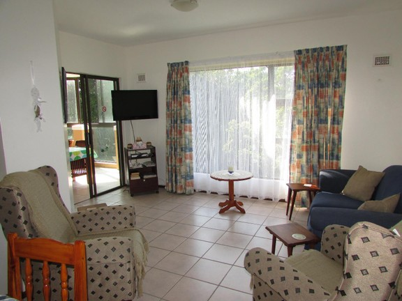 Condominium in Shelly Beach - 004_Lounge_V1sJCfR.JPG