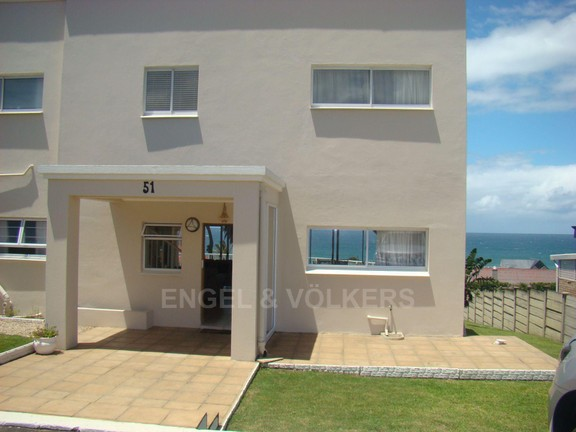 House in Uvongo - 002 Front Entrance.JPG