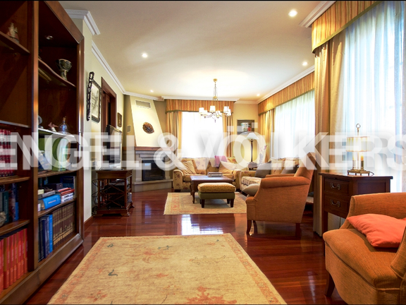 House in San Claudio / Trubia / Las Caldas - Living Room with Fireplace