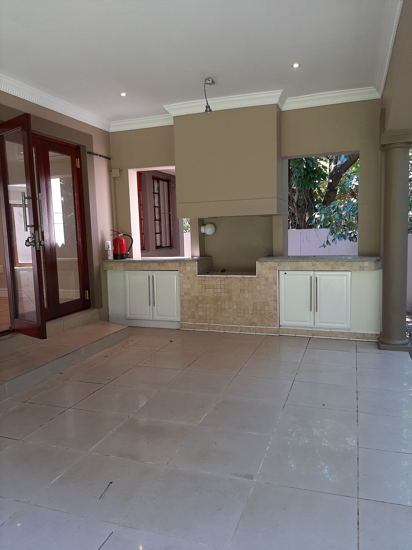 Apartment in Southbroom - Built in braai on patio