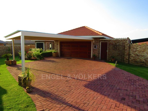 House in Lifestyle Estate