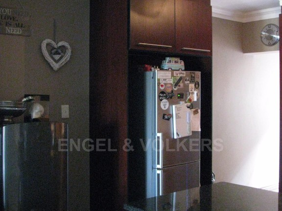 Condominium in Melodie - Space for a double refrigerator